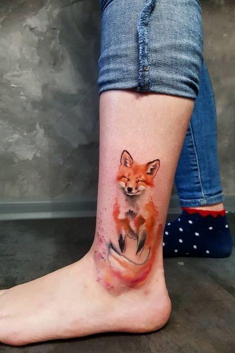 wolf tattoo on leg