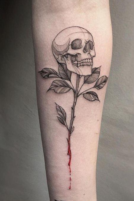FLower and skull tattoo