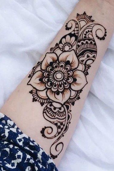 Henna tattoo designs on wrist