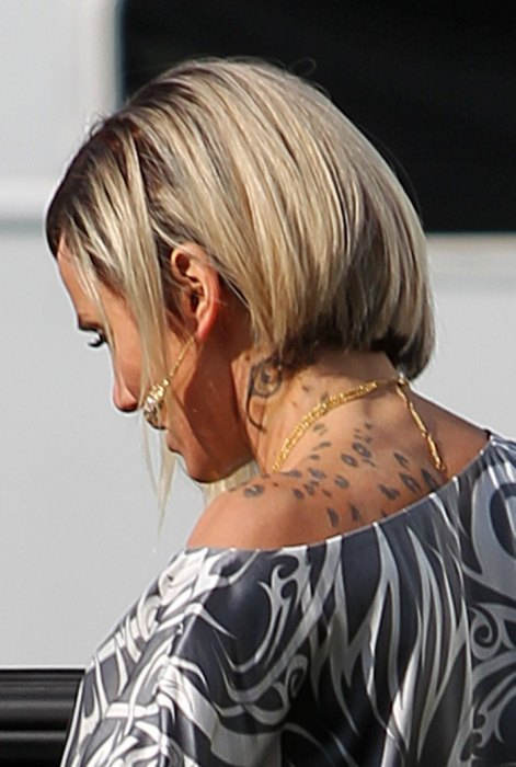 Cameron Diaz Tattoo on her neck